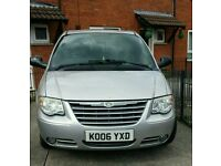 Chrysler voyager 2006. 69500 miles 7 seater .cambelt changed