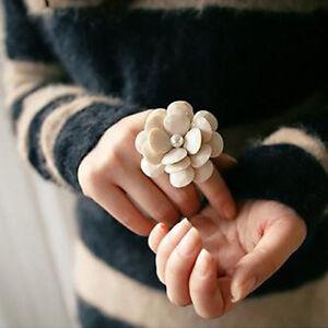 Elegance Cream White Big Camellia Flower Elastic Band Adjustable Ring
