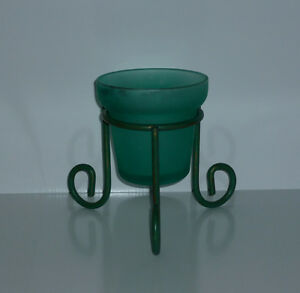 Green Glass Candle Holder in Wire Stand .. Excellent Condition