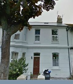NEW to Let - A Large double studio room in central worthing - £475 pcm all inclusive!!!...