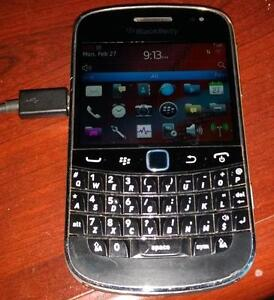 Blackberry Bold 9900 excellent with charger