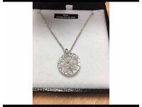 Links of London- Dreamcatcher necklace
