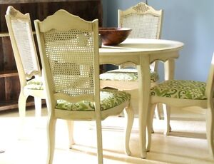 ROUND DINING TABLE & CHAIRS, FRENCH COUNTRY STYLE, REFINISHED