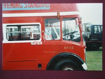PHOTO  LONDON TRANSPORT RT 113 BUS DRIVERS CAB