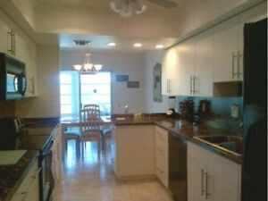 3 Bedroom Condo Near Fort Meyres and Sarasota