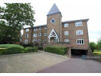 2 bedroom flat in St. Philips Gate, Worcester Park, KT4 (2 bed) (#1140152)