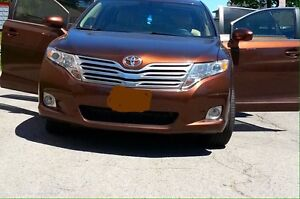 TOYOTA VENZA   AWD  2010 VERY GOOD  CAR AND CLEAN.....