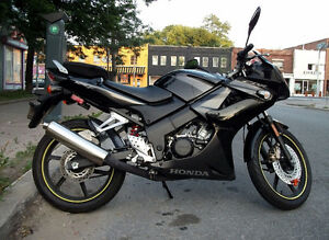 Honda CBR 125cc - All Black -Very Good Condition - only 14k km
