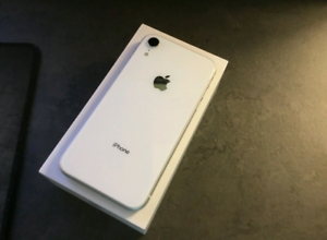 Brand New Iphone XR White 64gb with apple warranty !