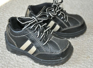 Toddler Boy Black Lace-Up Shoes (Size 5)