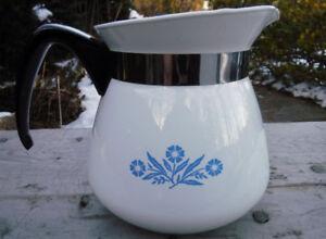 VINTAGE CORNING WARE TEA POT LARGE SIZE 9 CUP TEAPOT CORNFLOWERS