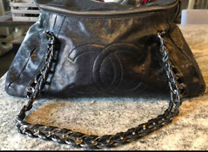 9faddb0304cb Chanel Bag | Buy New & Used Goods Near You! Find Everything from ...