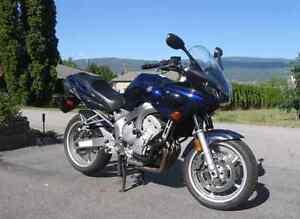 Yamaha fz6 VERY LOW MILEAGE LOTS OF UPGRADES.