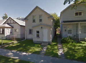 4 Bedrooms 1.5 story 2 bathrooms St, Central St Boniface.