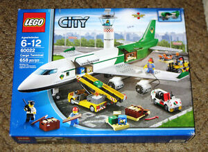 New LEGO CITY: Cargo Terminal Set 60022 (2013) Retired Sealed Edmonton Edmonton Area image 1