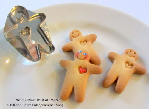 B. CUKLA/HAMMER SONG MINI GINGERBREAD MAN WITH HEART COOKIE CUTTER/METAL/TIN