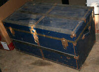 Large Quality Metal TACK TRUNK - Great for Horse Blanket Storage