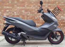 Honda PCX 125cc (17 REG), Showroom condition, 967 miles!