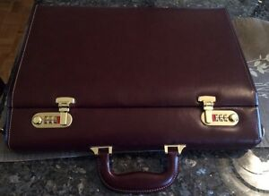 Leather briefcase (brown) -New! West Island Greater Montréal image 1