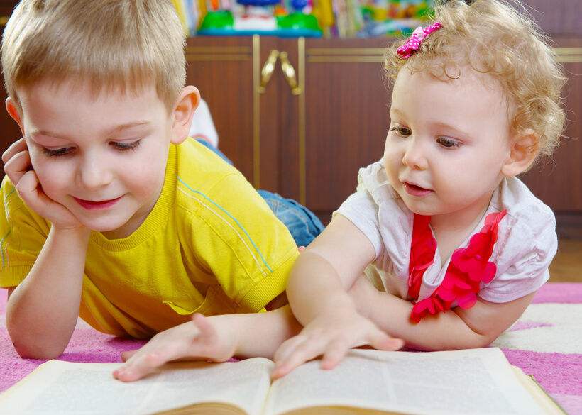 How to Choose a Baby Book Set