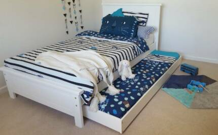 WHITE RABBIT KING SINGLE BED & TRUNDLE - FREE BEDSIDE - WHITE