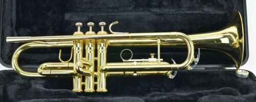 King Trumpet 601 W/Case & Mouthpiece - Great Condition!!