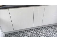 Stunning white high gloss handless complete kitchen, brand new!! See Description!!