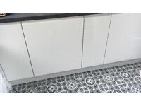 Complete package of 12 high gloss kitchen handless white doors, brand new, perfect to revamp