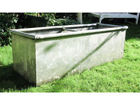 Galvanised water trough for garden or livestock. Watertight. Excellent condition.