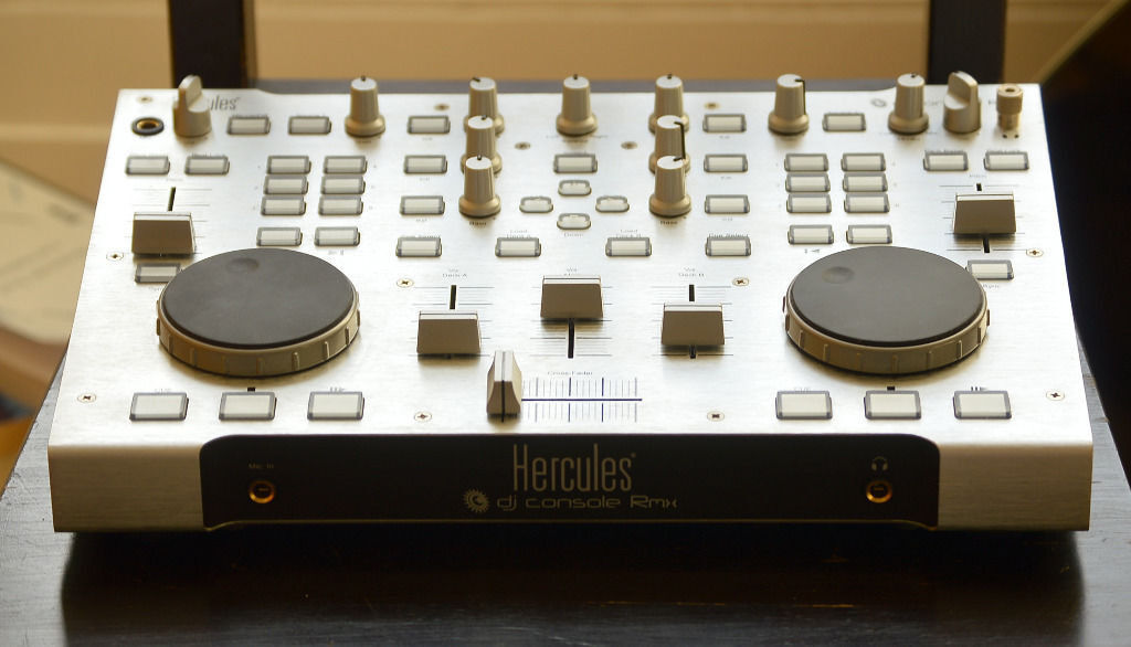 Hercules Professional DJ Console RMX (Decks/Mixer) - MINT CONDITION