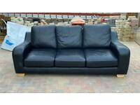 Lovely Black chunky 3 seater sofa good condition can deliver