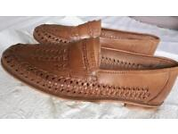 Men's leather casual loafers - size 9