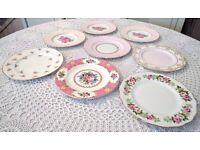 31x mismatched vintage china dinner plates