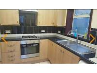 Large single bedroom to rent in leytom