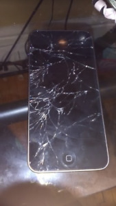 Shattered Screen Ipod touch
