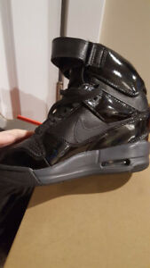 Nike Leather Air Evolution High Sneaker Size 5