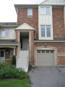 3 BEDROOM TOWNHOUSE IN AJAX AVAILABLE FOR RENT