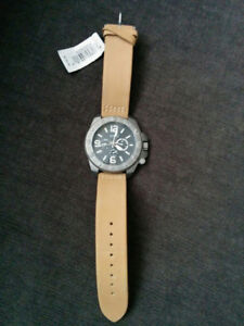 BRAND NEW GUESS WATCH AT BARGAINING PRICE!