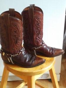 Bottes de cowboy et blouse western