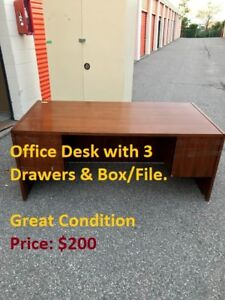 TU>>Office desk with 3 drawers and box/file, Great Condition!