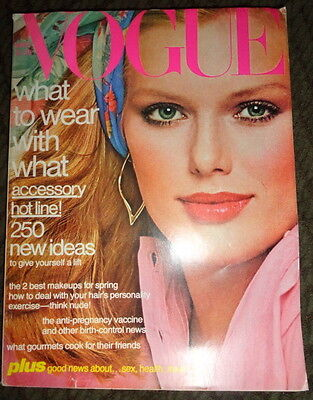Vintage Vogue 1977 Patti Hansen Janice Dickinson Christy Brinkley Richard Avedon