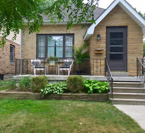 Wortley Village Cottage *2 Bdrm* ALL Inclusive * Fully Furnished