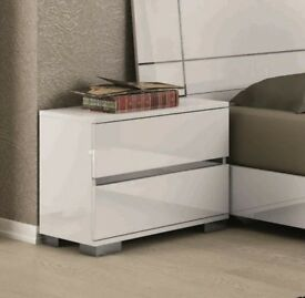 2 x Dream Modern Bedside Cabinets in White High Gloss RRP £599.99 40% OFF