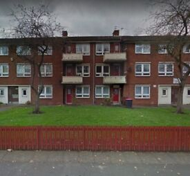 AVAILABLE NOW 2 BEDROOM GROUND FLOOR FLAT PART FURNISHED FOR RENT IN EXCELLENT LOCATION ONLY 500 PCM