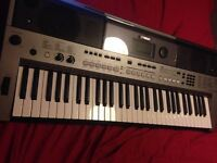 Yamaha psr e443 Keyboard