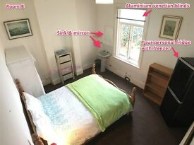 Large Double Room In Quiet Victorian House ✔ 7 Min Walk to Town ✔ Own Fridge Freezer & Sink ✔ WiFi