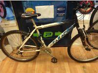 Saracen team alloy mountain bike frame 18inch with 26inch alloy wheels working fine