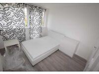 Double En-suite room 1 min walk to Amazon Depot RM18 7AS