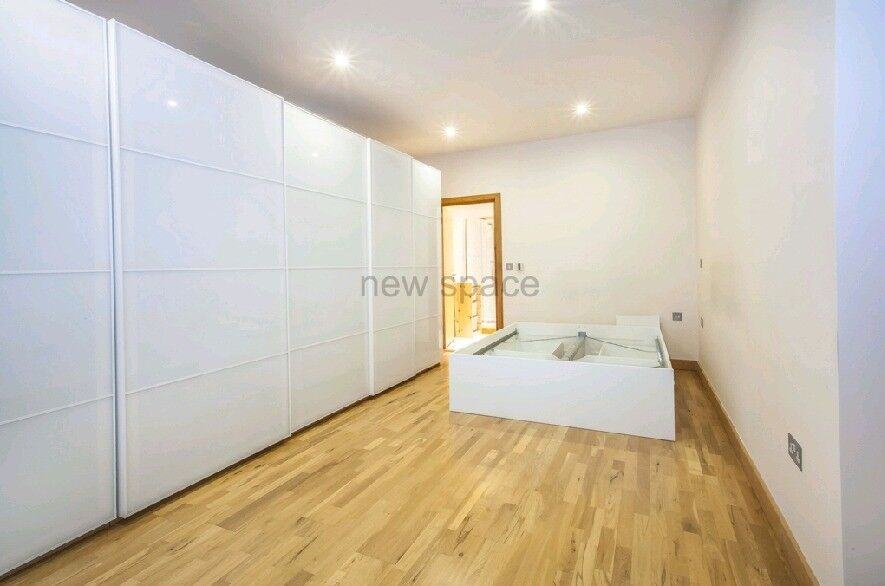 1200 SQFT PENTHOUSE - 2 BED - 2 BATH - BALCONY - HACKNEY WICK - EXCELLENT PRICE
