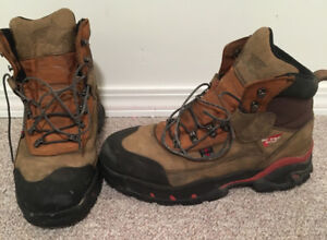 Mens Red Wing NON CSA approved Steel Toed Thinsulate Boots sz 9